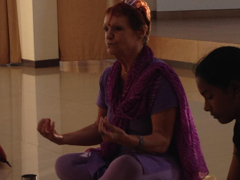 Photographer:Marie Fouquet | Starting meditation with Anandi