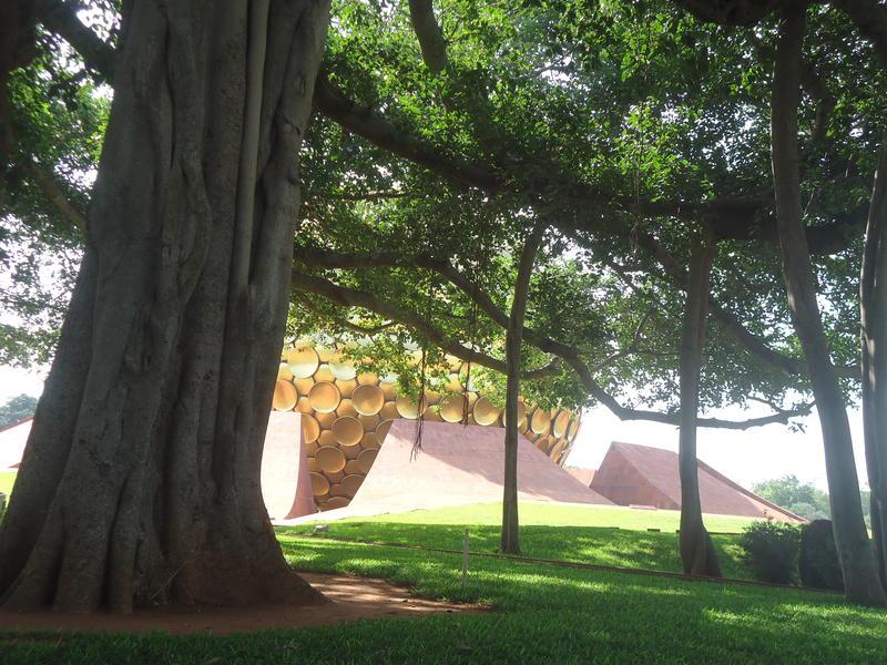Photographer:Sandrine | Banyan tree and Matrimandir