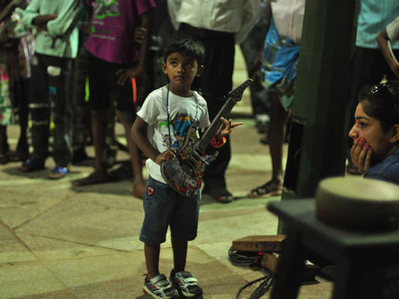 Photographer:Sergio | children participating