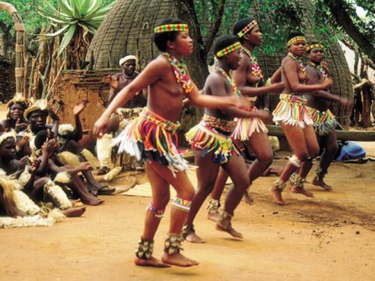 Photographer:web   Mozambique dancers