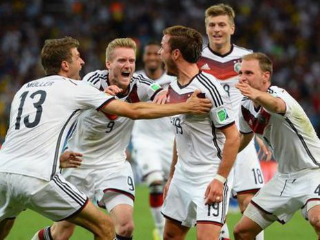 Photographer:Amelia   World Cup 2014 - winning Germany team