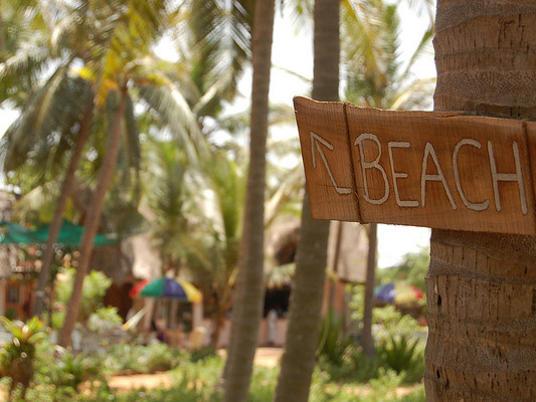 Photographer:web | Repos Beach Reopened
