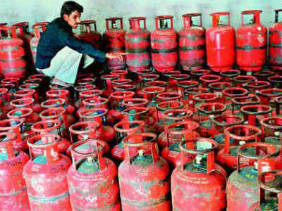 Photographer:web | stock taking for Gas Bottle Service on Thursday