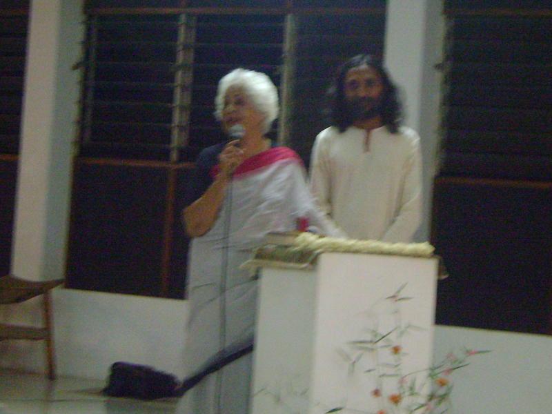 Photographer:Amelia | Aster Patel announcing Manoj's presentation