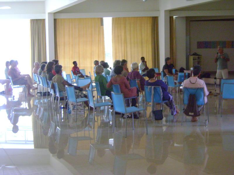 Photographer:Zala | General Meeting to Discuss Sludge Disposal