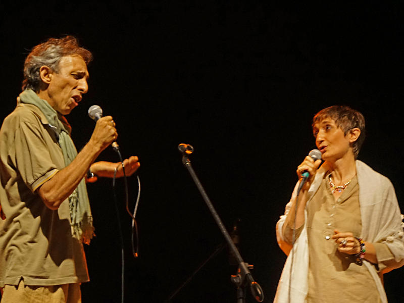 Photographer:Giorgio Molinari | Samadarshana & Stefania singing Piazza Grande, a very famous Italian song