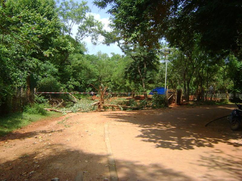 Photographer:Clara | blockage for archeoligical site towards Visitor Centre