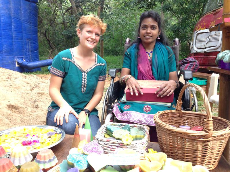 Photographer:Andrea | Deepam stand with Hanna volunteer from Germany. At her left Gayatri.