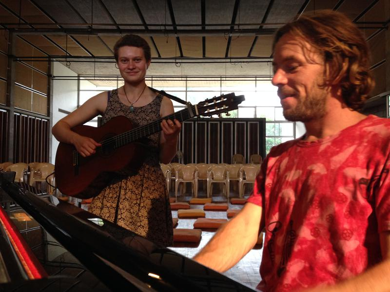 Photographer:Andrea   Angeline and Thomas rehearsing before the concert