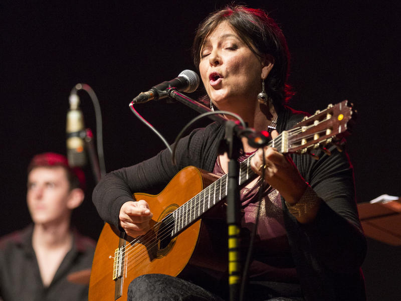 Photographer:Coriolan MIA Studio | Shakti plays her guitar and sings