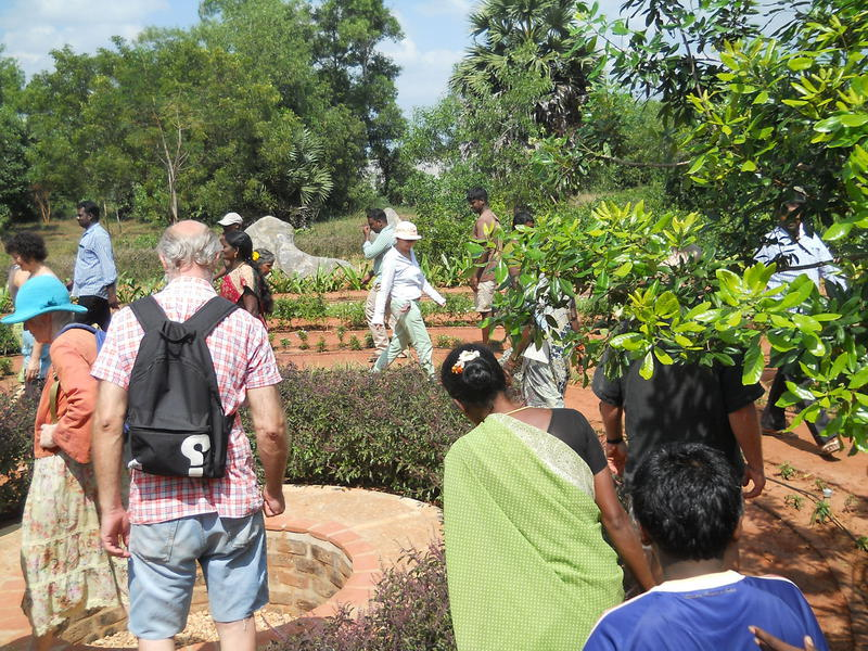 2015_01_15_interview_botanical_garden_celebrates_labyrinth_pongal_english_1
