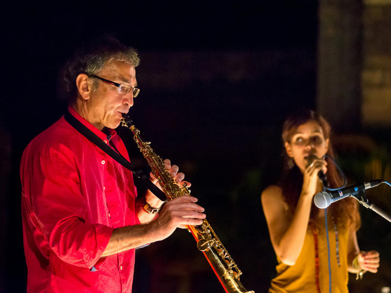Photographer:Olivier Malcor | Saxophonist Paul and singer Clementine