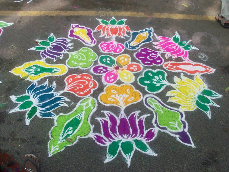 Photographer:Courtesy - Corinnesindia Adventure (blogspot.com) | A Pongal Kolam
