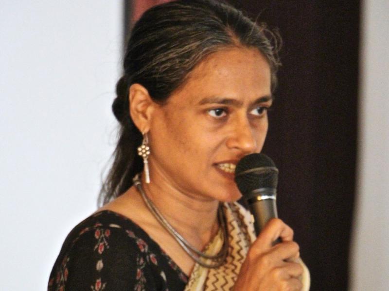 Photographer:Roland   Krishna speaking about the Chennai Festival