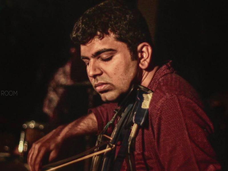 Photographer:Bodhi Art Room | Violinist and singer Karthik Iyer