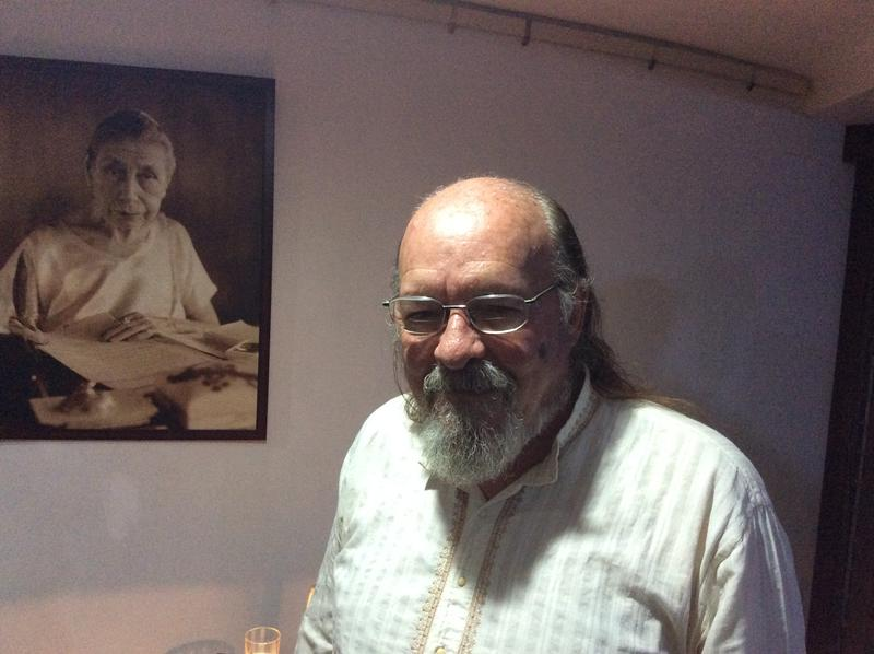 Photographer:Adam | Rod Hemsell after the talk at Savitri Bhavan