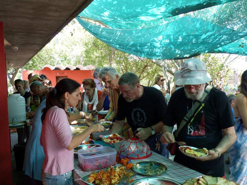 Photographer:Giorgio | Fundraising buffet lunch by the beach of Sri Ma at Auroville