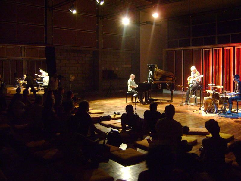 Photographer:Nola | Hartmut - piano, Rolf - bass, Matt - drums at CRIPA, Kalabhumi