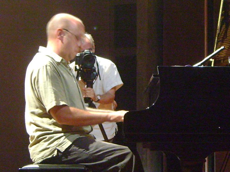 Photographer:Nola | Hartmut on piano, Rakhal behind the camera