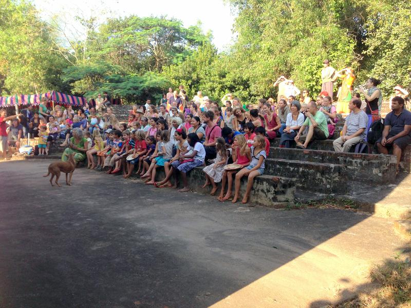 Photographer:Andrea | The audience looking at Alice's performance in the small amphitheater