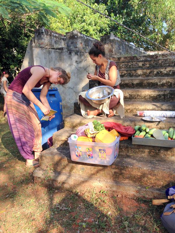 Photographer:Andrea | Youth Center's girls preparing the fruit for the juices