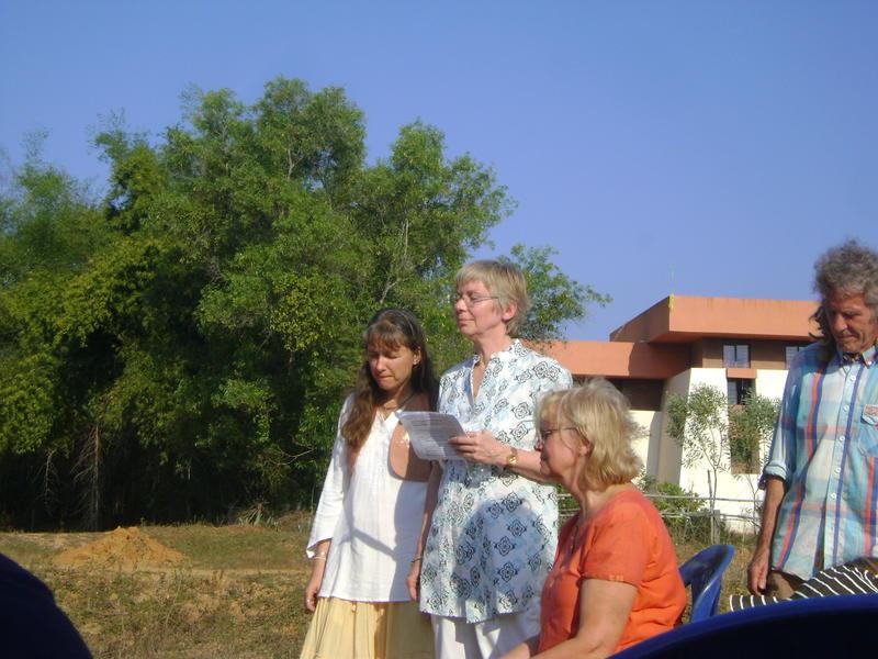 Photographer:Zarin  | Vera, Frederike addressing the gathered and Isa