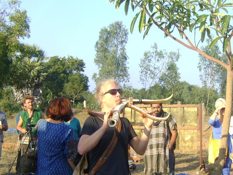 Photographer:Zarin  | Swedish visitor playing horns