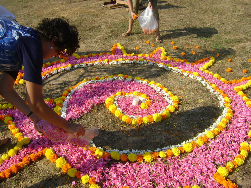 Photographer:Zarin  | Elena creating mandala for the soil ceremony