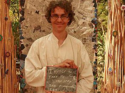 Photographer:Litter Free Auroville | Gijs at the pledge-your-change-booth