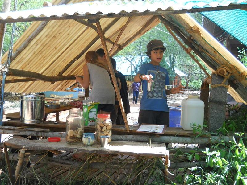 Photographer:Renu | Refreshments and Tea stand