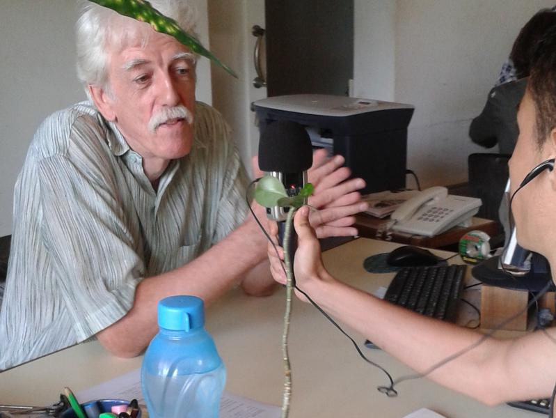 Photographer:Auroson | Edo interviewing Otto at the financial service