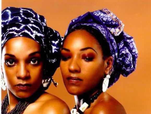 Photographer:web | Les Nubians