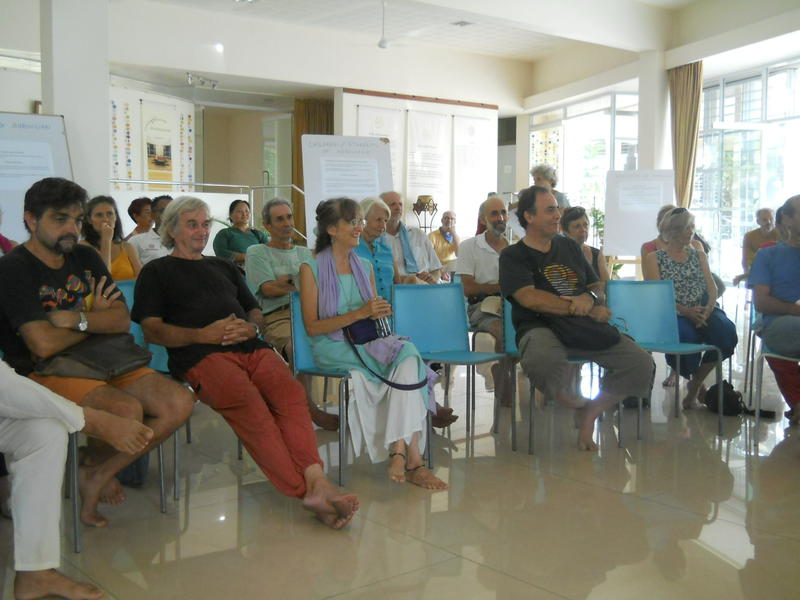 Photographer:Roland   Auroville's residents the General Meeting called by the Auroville Council