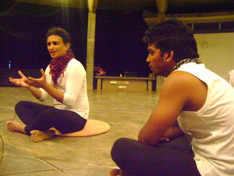 Photographer:Beatrice | Drupad explaining about Mime Festival in Auroville