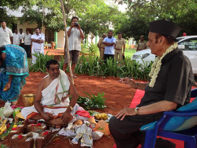 Photographer:Andrea | On the right: Dr Karan Singh Chairman of the Governing Board of Auroville.