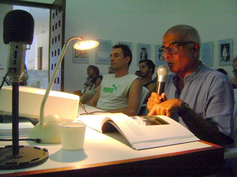 Photographer:Niveditha | Dr. Satyajit Ghosh explaining the research