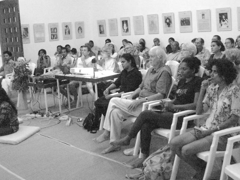 Photographer:Niveditha | Dr. Ghosh with the audience