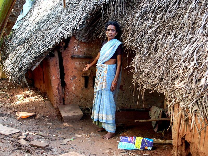 Photographer:Frida   This house in Bommapalayam was damaged by the flood.