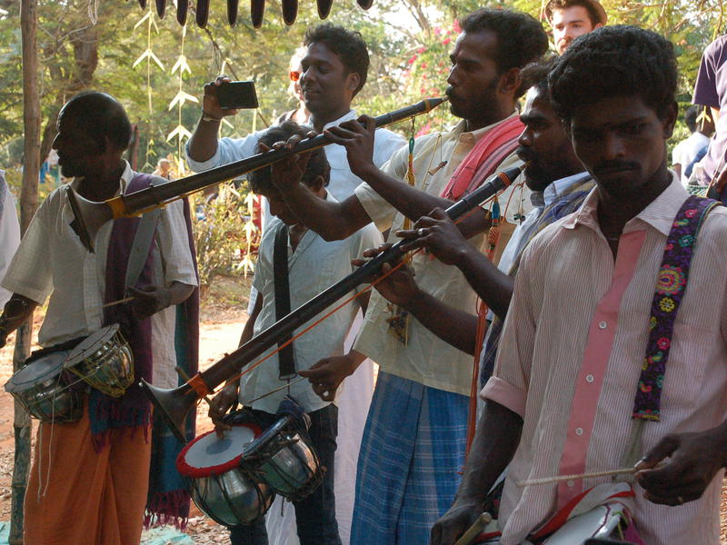 Photographer:Frida | Tamil music was performed all the afternoon