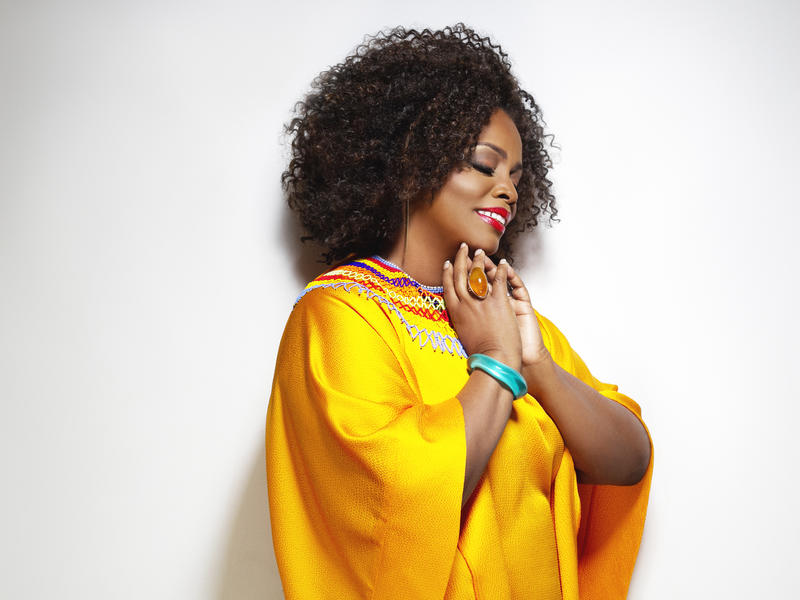Photographer:web | Dianne Reeves