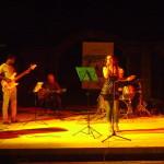Anna Taj with the band