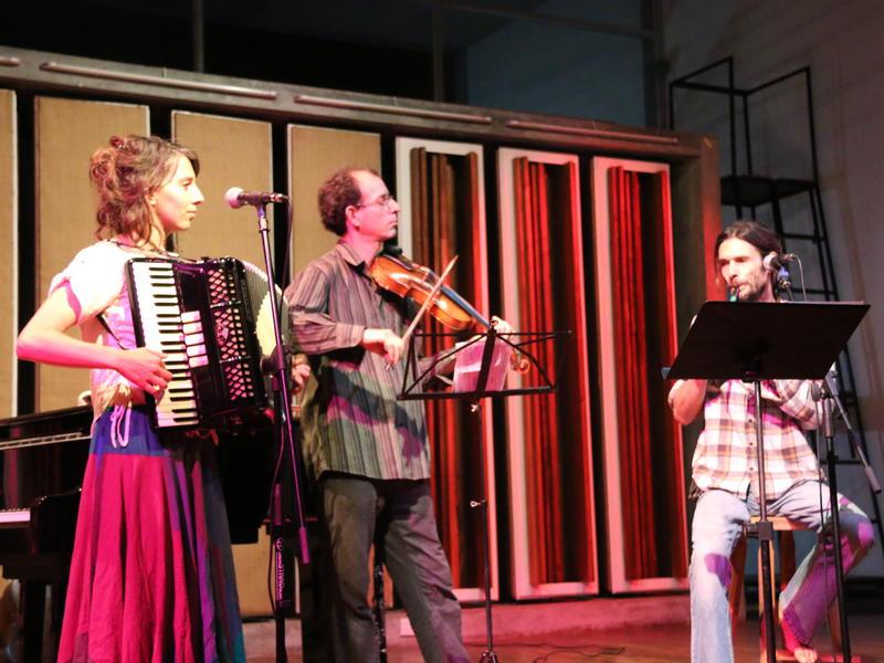 Photographer:Sarah   Kaeridwyn, Amit and Francoise
