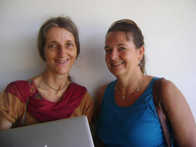 Photographer:web | Jasmin and Sigrid inviting to the Landing Auroville on 7th at 4pm