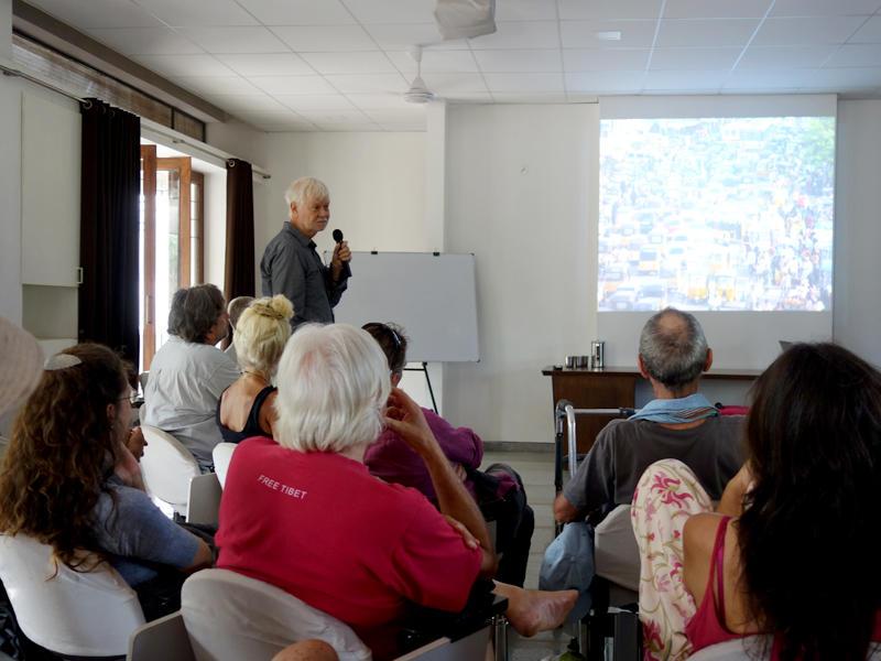 Photographer:The Unstitute | Helmut's presentation