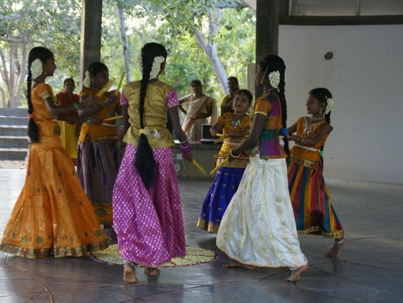 Photographer:Stephen Anurag P | Students of Women's Dance group performing at the event