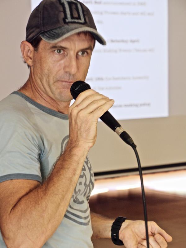 Photographer:Roland | a good speaker