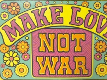 Photographer:web | Make love love not war