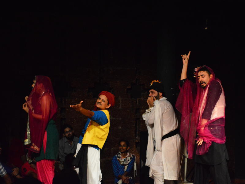 Photographer:David Dinakaran   Piya Behrupiya (Olivia's act)