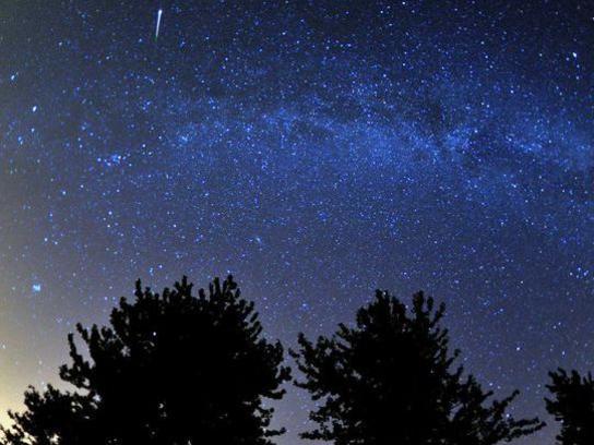 Photographer:web | Eta Aquarids Meteor Shower