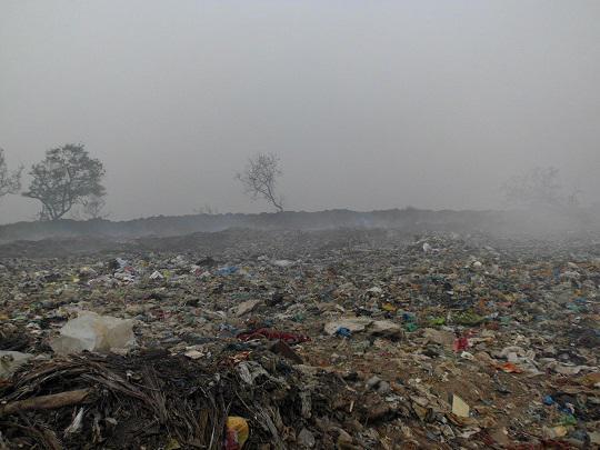 Photographer:web | Karuvadikuppam municipal PY dump site  some years back